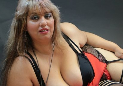 Frauen Chats Movies  - Sexy Katze mit großen Brüsten