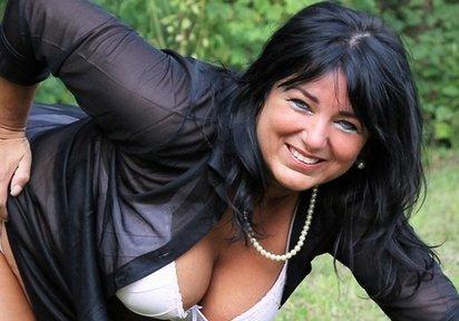 Videos - Reife Lady erwartet Dich!