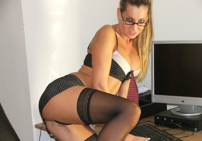 Amateur Girls Threesome  - HEISSESTE VIDEOCHAT PARTNERIN!