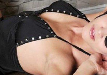 WetClau Amateur Hot Babe, Kurze Haare - TELEFONLIVESEX - LIVECAM NONSTOP